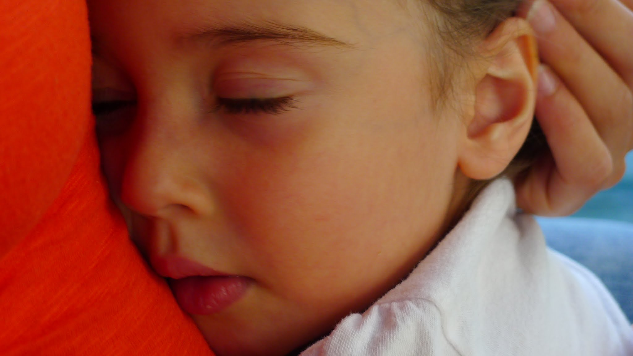 Bebekler anne karnında dilleri ayırt edebiliyor